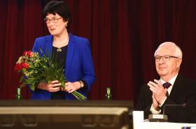 Eva Zažímalová nahradí Jiřího Drahoše v čele Akademie věd