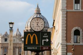 McDonald's u bran Vatikánu