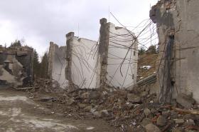 Následky výbuchu v Poličce