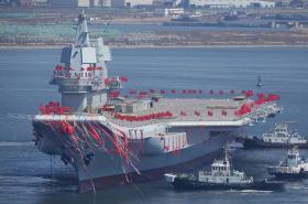 Čína představila novou letadlovou loď - první vyrobenou v zemi
