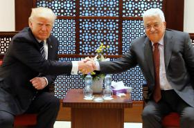 Donald Trump s Mahmúdem Abbásem