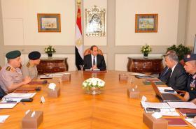 Egyptský prezident na jednání s bezpečnostními složkami