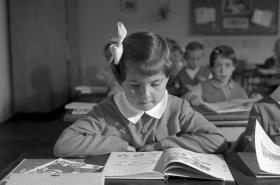 Zahájení školního roku (ZŠ Na Pražačce, Praha, 1963)