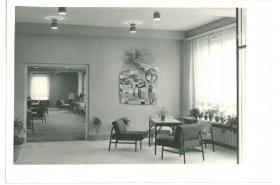 Hotelový dům v Olomouci (Tomáš Černoušek, Karel Dolák, Jiří Zrotal) – společenská místnost, 1962