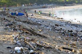 Odpadky na Bali