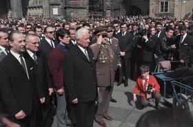 V roce 1968 zvolili komunisté prezidentem Ludvíka Svobodu (uprostřed)