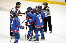 Korejky se radují z trefy v přátelském utkání proti Švédkám