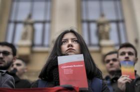 Tichý protest studentů práva v Bukurešti