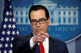 Tajemník ministerstva financí Spojených států Steve Mnuchin vyhlašuje nové sankce