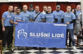 Členové skupiny Slušní lidé při protestu na brněnském zastupitelstvu v březnu 2017