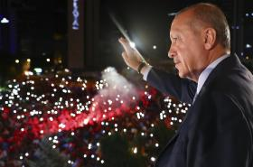 Turecký prezident Recep Tayyip Erdogan vystoupil před svými stoupenci