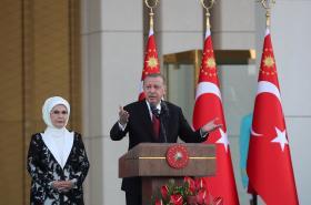 Turecký prezident Recep Tayyip Erdogan s manželkou