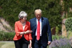 Mayová a Trump jednali v sídle britských premiérů