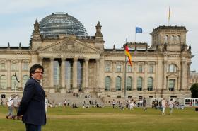 Katalánský expremiér Carles Puigdemont před německým parlamentem