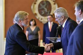 Miloš Zeman jmenoval Michala Mazance předsedou Nejvyššího správního soudu