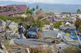 Následky tsunami na indonéském ostrově Sulawesi