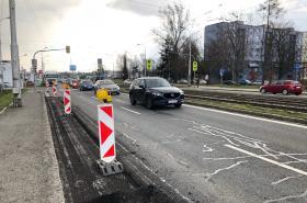 Od rána se v Opavské ulici v Ostravě tvoří dlouhé kolony