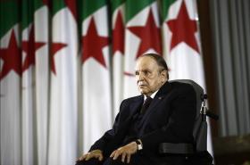 Abdelazíz Buteflika na ceremonii po znovuzvolení prezidentem v dubnu 2014