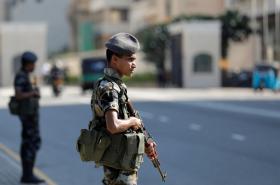 Hlídka u silnice k sídlu srílanského prezidenta