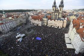 Protest na Staroměstském náměstí v Praze