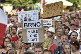 Demonstranti na brněnském náměstí Svobody