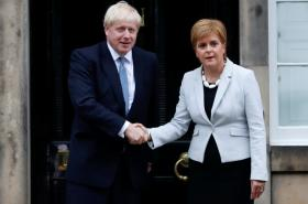 Boris Johnson a Nicola Sturgeonová