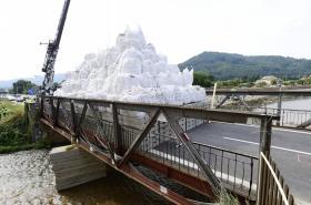 Extrémní zátěžová zkouška mostu v Petrově