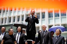 Tichý protest právníků v Hongkongu