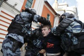 Zatýkání na demonstraci v Moskvě