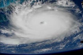 Satelitní snímek hurikánu Dorian
