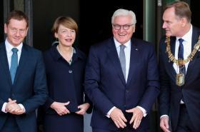 Frank-Walter Steinmeier (druhý zprava) na oslavách 30 let svobody
