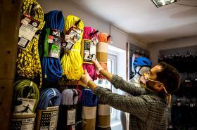 Obchodníci postupně otvírahí své provozovny