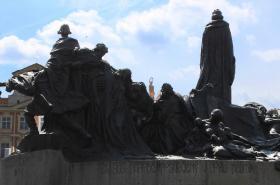 Husův pomník na Staroměstském náměstí