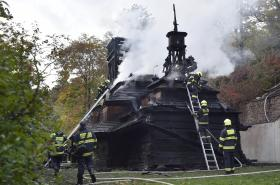 Požár dřevěného kostela svatého Michala
