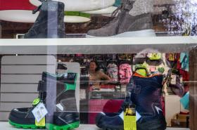 Prodej dětského oblečení a obuvi je znovu povolený od 19. ledna