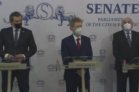 Tisková konference senátorů k návrhu zrušení nouzového stavu