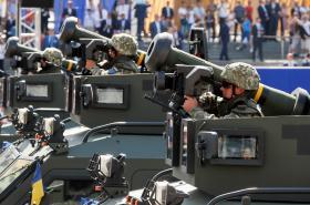 Protitankové střely Javelin na ukrajinské přehlídce roku 2018