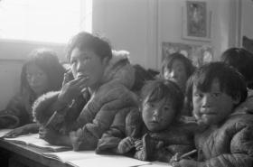 Archivní fotografie z kanadské převýchovné školy