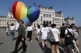 Protest proti zákonu se odehrál také před budovou maďarského parlamentu