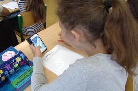 Mobilní telefon dětem pomáhá v matematice