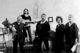Disent: Bytové divadlo (1989)