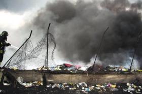 Záplava odpadků v okolí Neapole