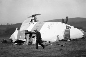 Trosky havarovaného Boeingu u Lockerbie