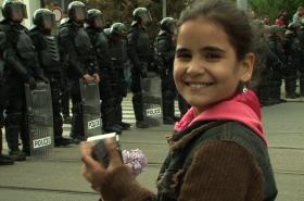 Janička z Ptáčat točí demonstraci extremistů