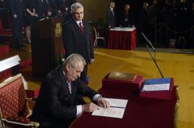 Miloš Zeman se stává prezidentem ČR