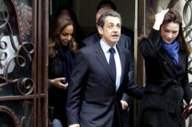 Sarkozy v den voleb