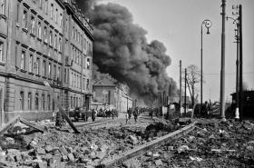 Praha po bombardování v březnu 1945