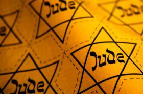 Davidova hvězda s nápisem Jude