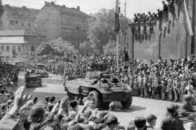 Vítání amerických vojáků v Plzni