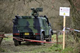 Areál muničních skladů se stále čistí